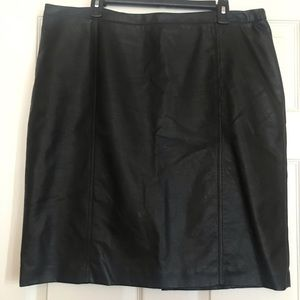 Worthington | Black Faux-Leather Pencil Skirt 18